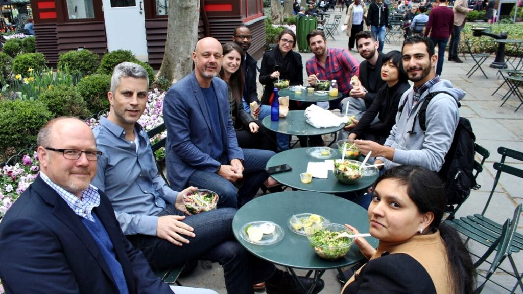 VentureOut_Retail_LunchTime